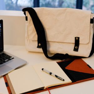 Wren_White Messenger Bag & Flame Notebook Organiser